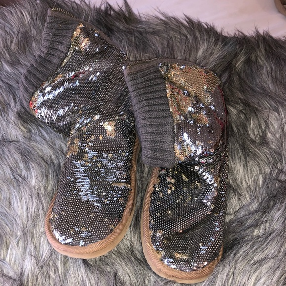 PINK Victoria's Secret Shoes - Sparkly slippers